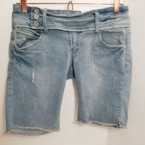 🌹 Almost Famous Bermuda jean Shorts size 11